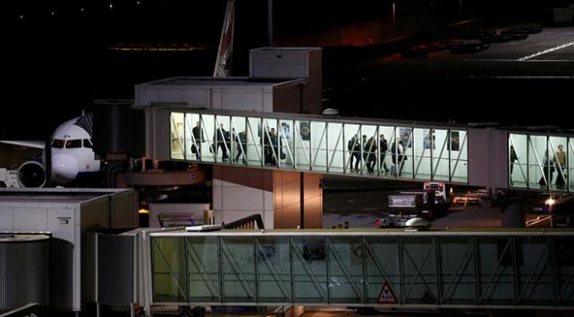 İngilterede virüs önlemi: Çinden gelen yolcular için ayrı alan kuruluyor