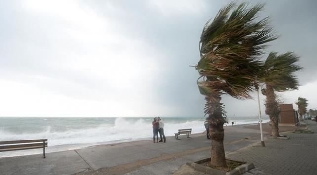 Akdenizde fırtına bekleniyor
