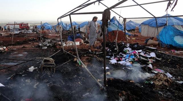 Rus savaş uçakları İdlibde çadır kampı vurdu