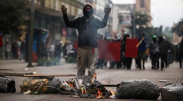 Kolombiyada hükümet karşıtı eylemlerde tansiyon yükseldi