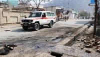 Afganistan'da eczaneye el bombası atıldı