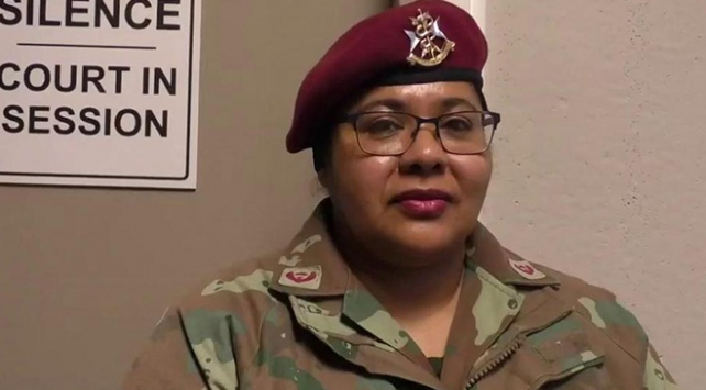 Güney Afrikada başörtüsünü çıkarmayan askere açılan dava geri çekildi