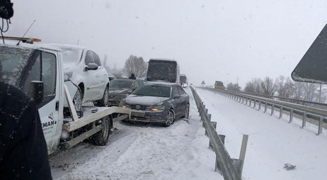 Gerede ile Karabük yolunda zincirleme trafik kazası