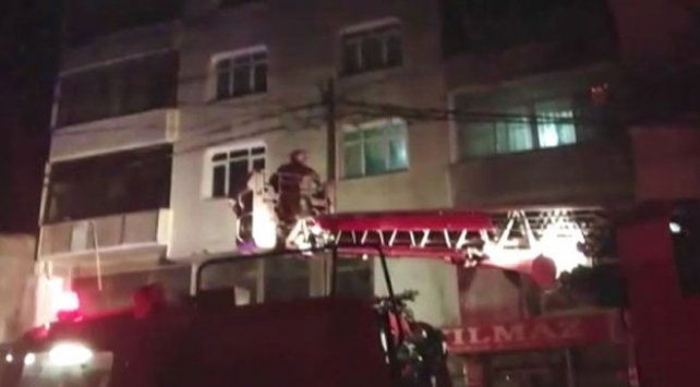 Gaziosmanpaşadaki yangından 12 kişi etkilendi