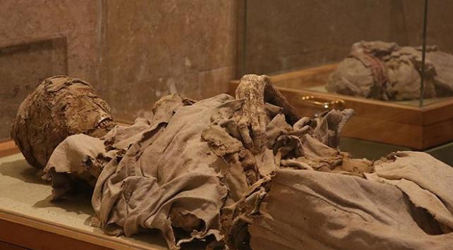 Bilim insanları 3 bin yıllık mumyayı konuşturdu