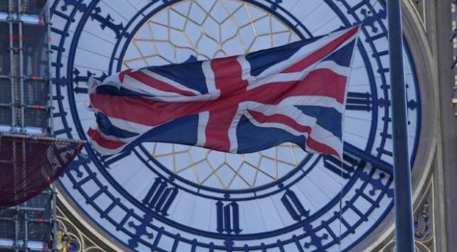 İngiltere'de Acil Durum Komitesi koronavirüs için toplanıyor