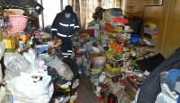 70 yaşındaki kadının evinden 13 ton çöp çıktı