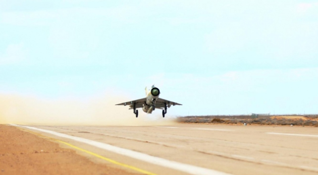 Hafter, Trablusu ele geçirmek için 10 ayda 1020 hava saldırısı düzenledi