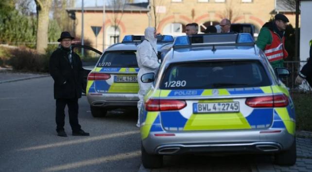 Almanyada silahlı saldırı: 6 kişi öldü