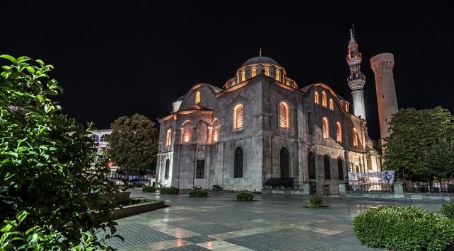 Diyanet İşleri Başkanı Erbaş: Vatandaşlarımız uygun olan camilerimizde geceyi geçirebilir