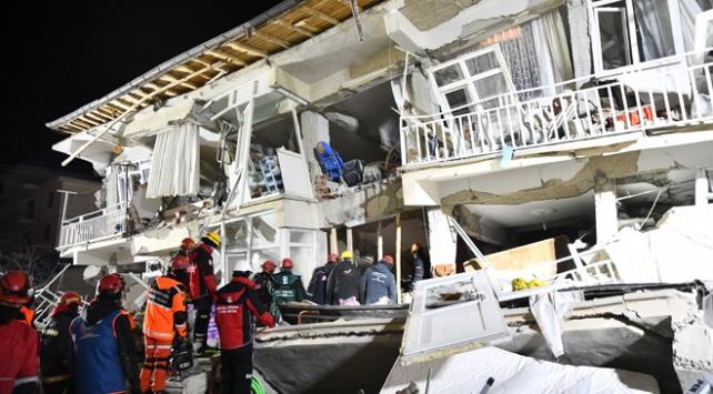 Bakanlar deprem bölgesinde