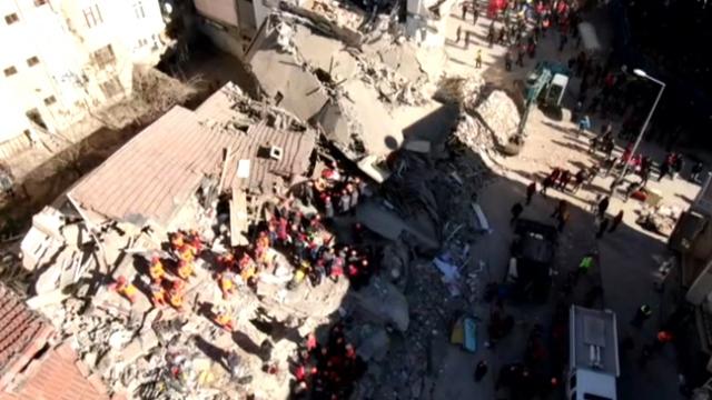TRT Haber deprem bölgesini havadan görüntüledi