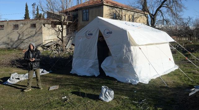 Doğanyol ve Pütürge ilçelerine 2 bin çadır kurulacak