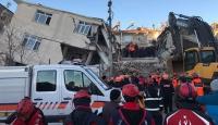 Depremzedelere yardım için banka ve SMS numaraları
