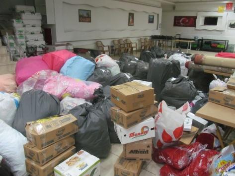 Turhaldan depremzedeler için yardım kampanyası