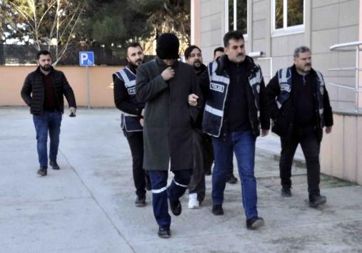 Amasyadaki fuhuş operasyonunda yakalanan 5 şüpheliden 3ü tutuklandı