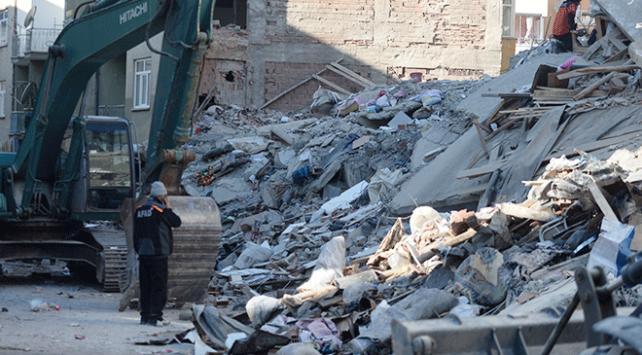 Mustafa Paşa Mahallesinde yıkılan binada arama kurtarma çalışması sona erdi