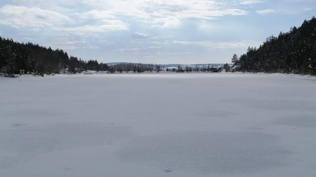 Karabükte soğuk hava göletlerin yüzeyini dondurdu
