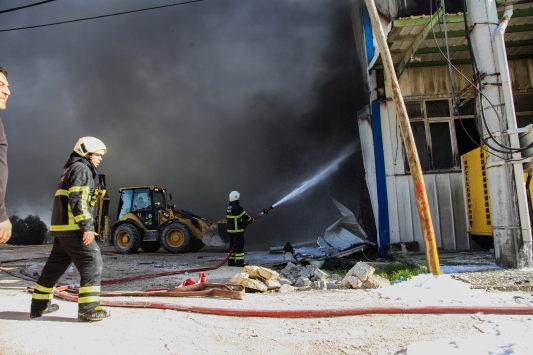 Hatayda gıda fabrikasında yangın