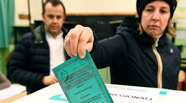 İtalyada bölgesel yönetim seçimleri yapıldı