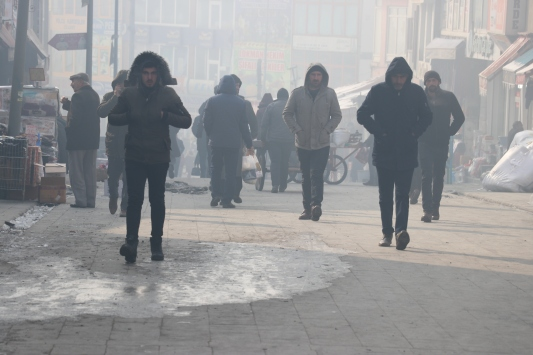 Erzurum ve Ağrıda dondurucu soğuklar etkisini sürdürüyor