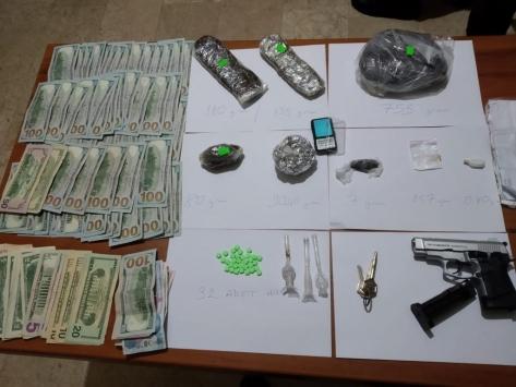 Fatihte uyuşturucu operasyonu: 2 zanlı tutuklandı
