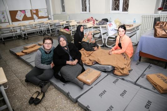Depremzedelerin rahatı için her türlü imkan sunuluyor