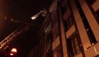 İstanbul'da 4 katlı binada yangın: 10 kişi mahsur kaldı