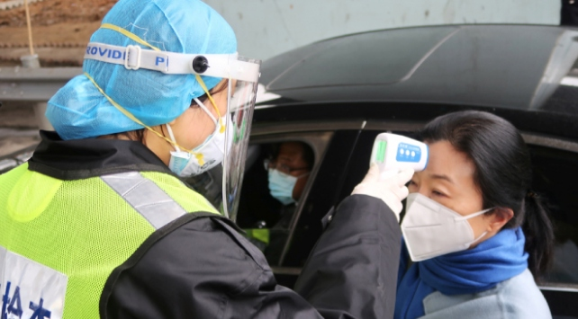 Koronavirüsün ortaya çıktığı Çin eyaletine sağlık personeli takviyesi