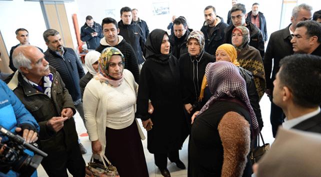 Diyarbakır anneleri depremzedeleri ziyaret etti