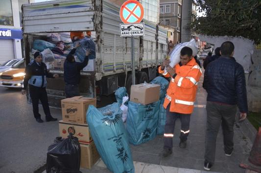Şanlıurfada toplanan yardımlar deprem bölgesine gönderildi