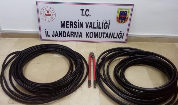 Mersinde internet kablosu hırsızlığı yapan 2 kişi yakalandı