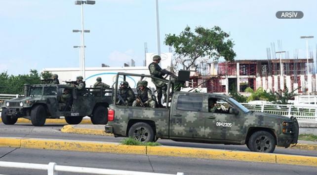 Meksikada askeri araç kaza yaptı: 5 ölü, 28 yaralı