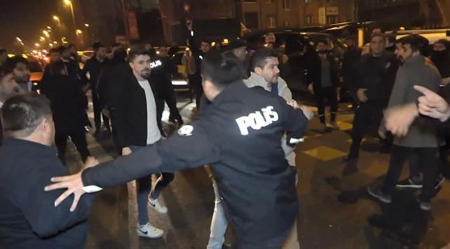 İstanbulda taksicilerle turizm şoförleri kavga etti: 11 gözaltı