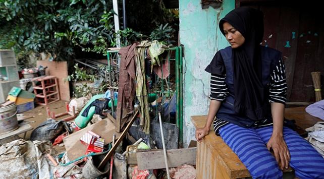 Endonezyada 6 kişi sel nedeniyle hayatını kaybetti