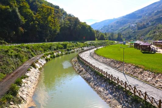 DSİnin Trabzonda taşkın riskini azaltma çalışmaları devam ediyor