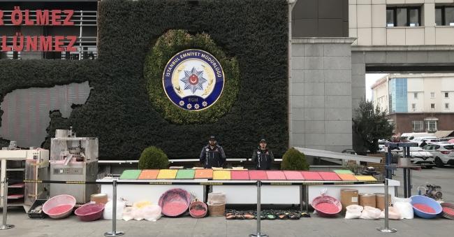 İstanbulda düzenlenen operasyonda 821 bin ecstasy hap ele geçirildi