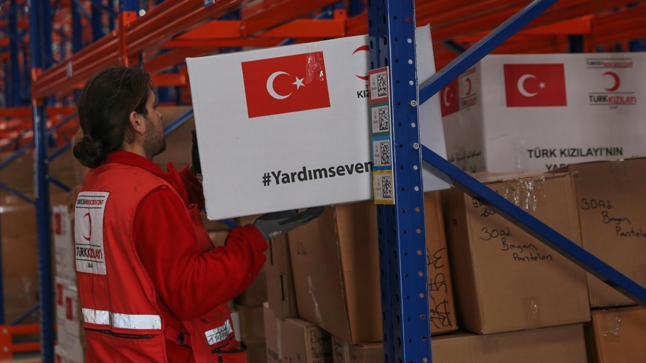 Türk Kızılayı depremzedelere yardıma devam ediyor