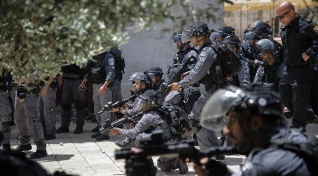 İsrail polisi Mescid-i Aksanın kapılarını kapattı