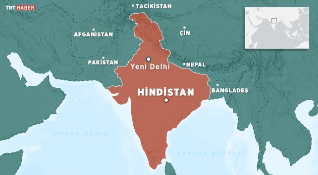 Hindistanda otobüs devrildi: 8 ölü