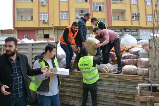 Silopide depremzedeler için yardım toplandı