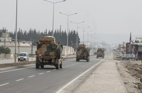 Suriye sınırındaki birliklere beton mevzi sevkiyatı
