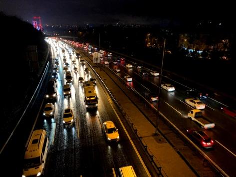 İstanbulda trafik yoğunluğu yüzde 83e ulaştı