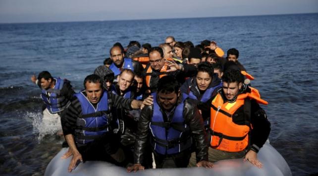 Yunanistandan düzensiz göçmenlere yüzen bariyer önlemi