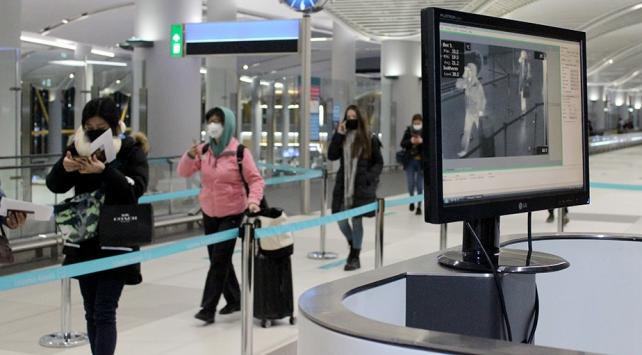 Koronavirüs tehlikesi İstanbul Havalimanındaki maske satışlarını arttırdı
