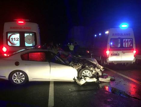 Kırşehirde otomobiliyle refüje çarpan öğretmen hayatını kaybetti