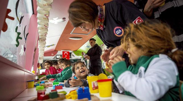 MEBin gezici anaokulu depremzede çocukların yüzünü güldürdü