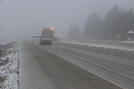 Kastamonuda sis ulaşımı olumsuz etkiliyor