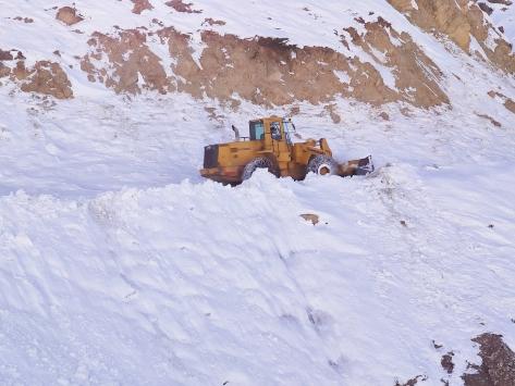 Sasonda 27 köy yolu ulaşıma açıldı