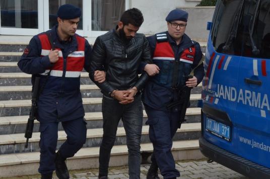 Antalyada yağma ve şantaj iddiasıyla 2 şüpheli gözaltına alındı